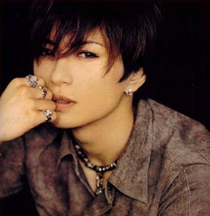 "GACKT organizes charity ""SHOW YOUR HEART"" for the earthquake"