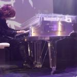 YOSHIKI's crystal piano fetches price of 11 million yen