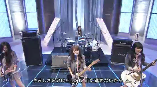 "SCANDAL performs ""Haruka"" on Music Fair"