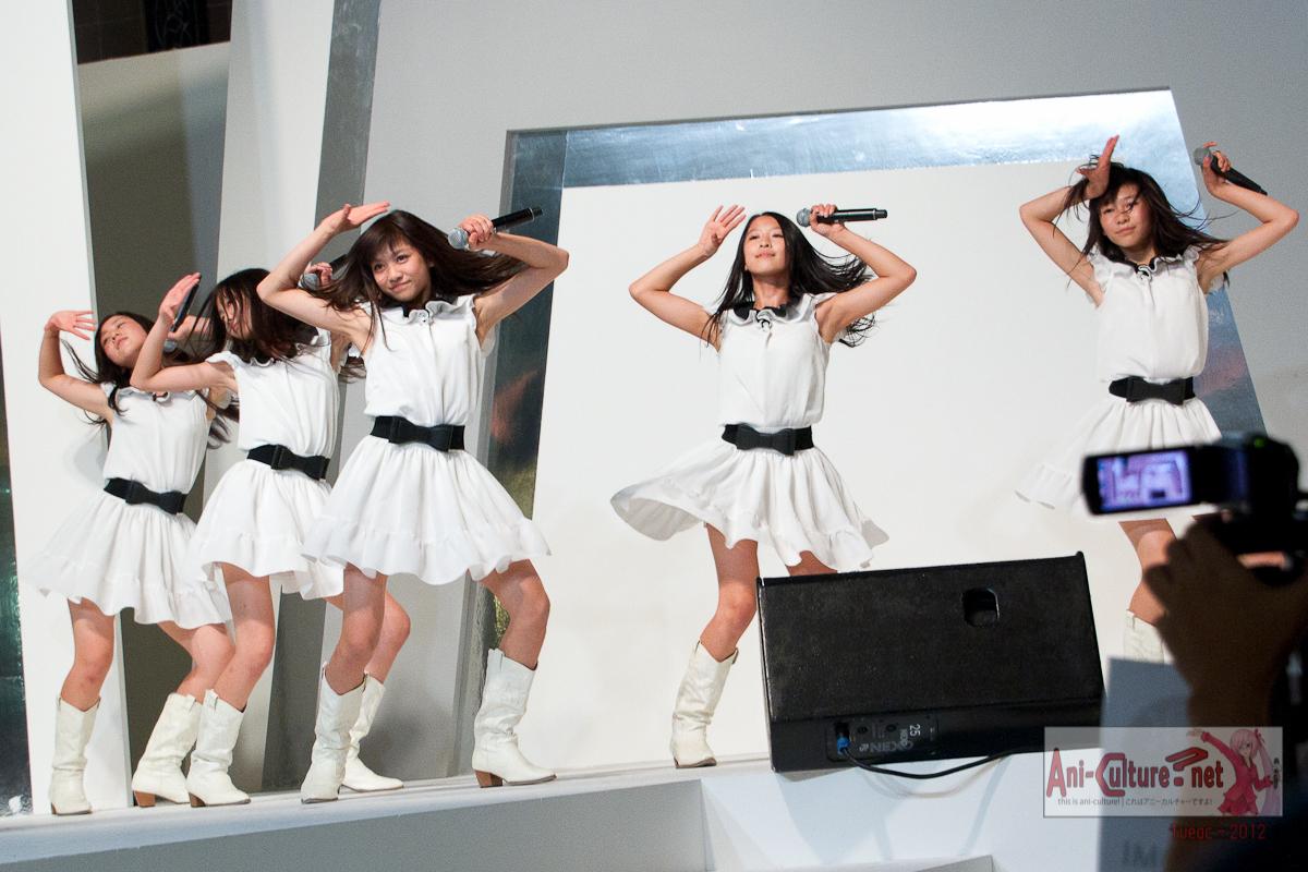 SG: Tokyo Girls' Style @ Takashimaya~