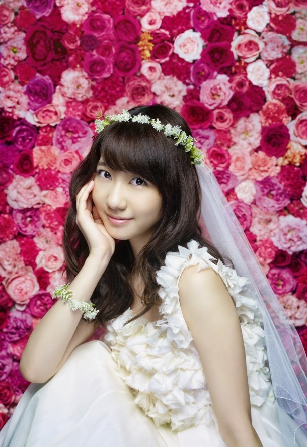 "Kashiwagi Yuki solo LIVE at Yokohama Arena & 2nd solo single ""Birthday wedding""!"